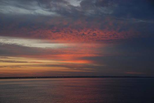 Sunrise Port Phillip Bay by Glen Johnson