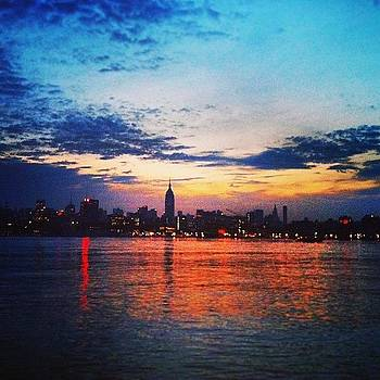 Sunrise Run Along The Hudson #nyc by Melyssa Cramer