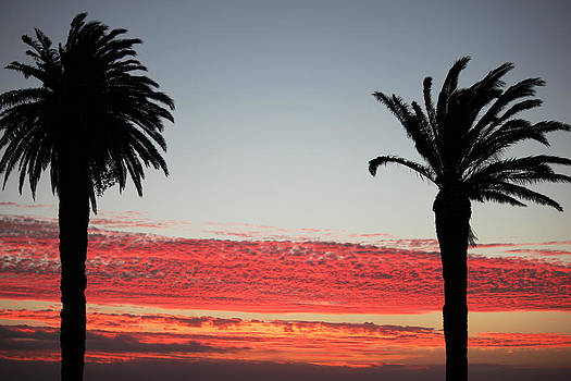 Sunset Camps Bay  by James  Wasdell
