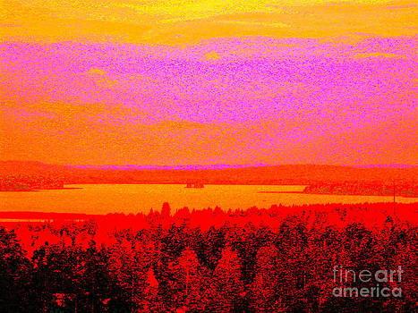 Sunset glow by Pauli Hyvonen