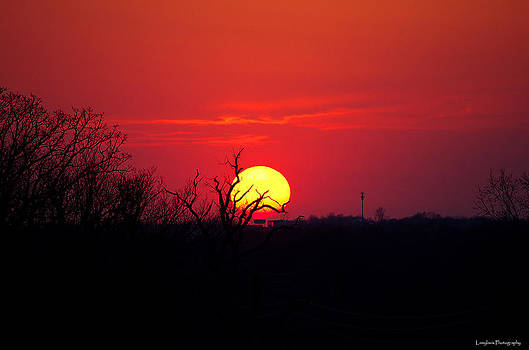 Sunset In Midwest by Lamyl Hammoudi