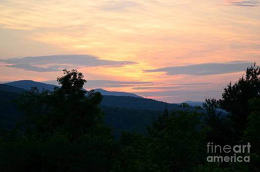 Sunset in the Catskills by Janet Davaros