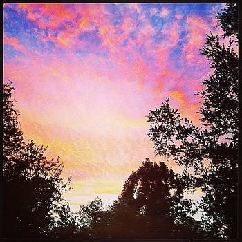 #sunset #lifeattheranch #cloudporn by Tristan Thames