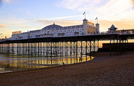 Venetia Featherstone-Witty - Sunset on Brighton Pier
