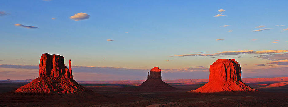 Sunset on Monument Valley by Cedric Darrigrand