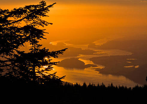 Sunset on The Columbia by Teresa Hunt