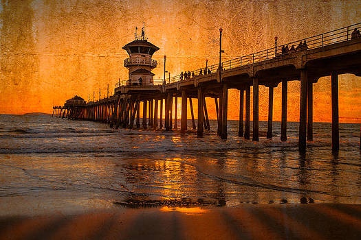 Sunset By The Pier by Fernando Margolles