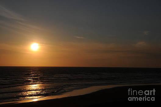 Sarah Schroder - Sunset Over Calm Waters