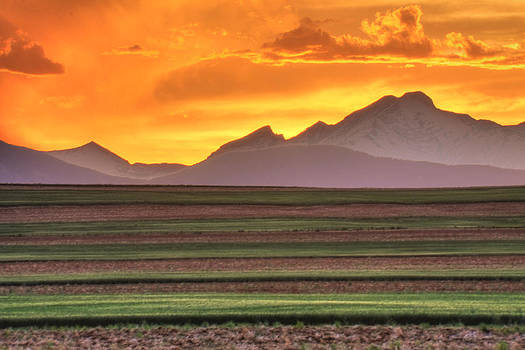 Sunset Over Longs Peak by Scott Mahon