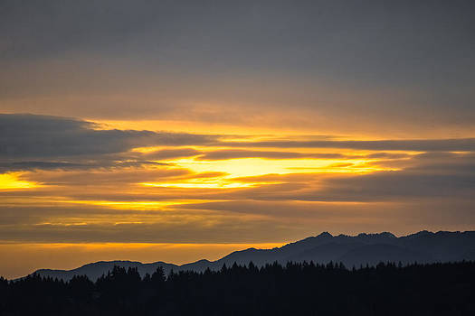 Ronda Broatch - Sunset Over The Olympic Mtns.