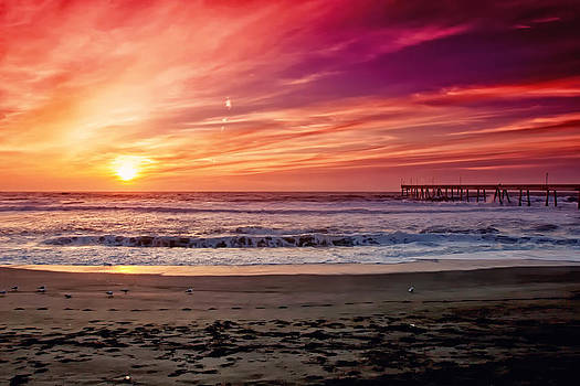 Sunset Over the Pacific by Lisa Chorny