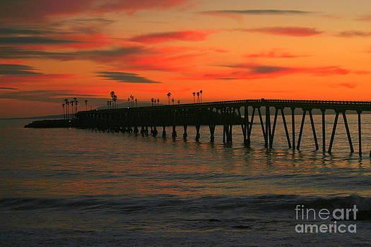 Sunset over the Pier by Jennifer Lawrence