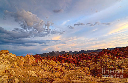 Jamie Pham - Sunset over Valley of Fire State Park in Nevada