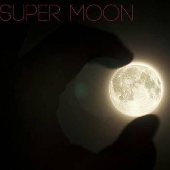 Super Moon by Malcolm Van Atta III