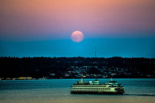 Ronda Broatch - Supermoon Rises Over Puget Sound 2