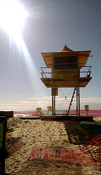 Surf Life Saver Tower 39 by Edwin Vincent