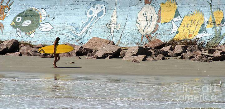 Gary Gingrich Galleries - Surfer Beach 1034B