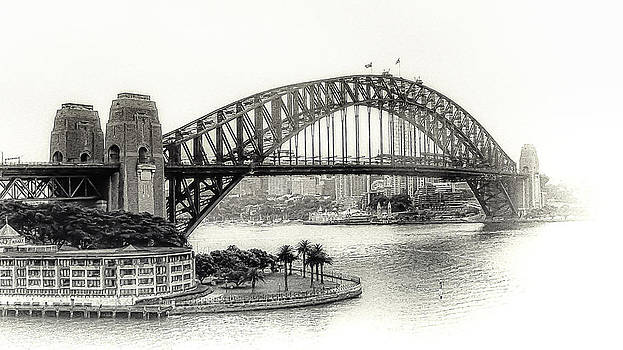 Julie Palencia - Sydney Bridge in Black and White