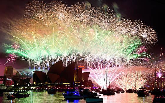 Sydney Fireworks - Finale by Rick Drent