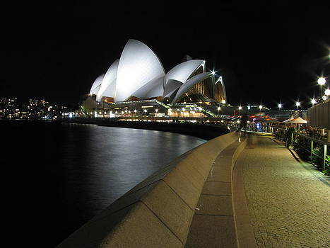 Sydney Opera House by Florian Strohmaier
