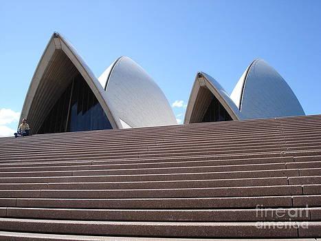 Sydney Opera House by Sara  Meijer