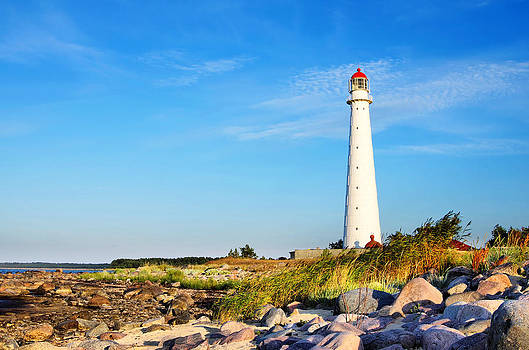 Tahkuna Lighthouse by Sergei Zinovjev