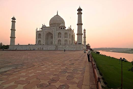 Devinder Sangha - Taj Mahal in wee hours