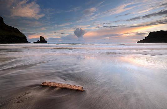 Talisker bay Sunset by Grant Glendinning