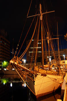 Tall Ship Tasmania by Glen Johnson