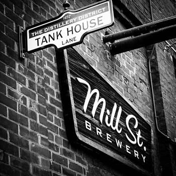 Tank House by Milan Kalkan
