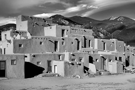 Robert Meyers-Lussier - Taos Pueblo North