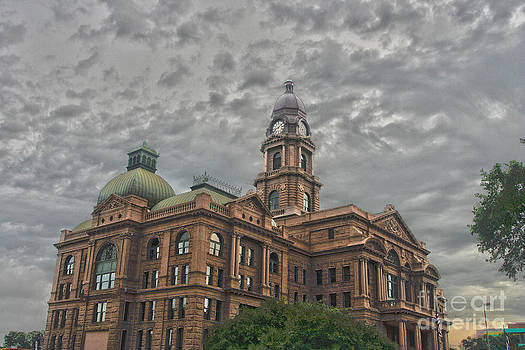 Tarrant County Courthouse by Eddie Lee