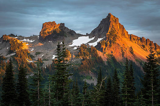 Tatoosh Sunset by Mike  Walker