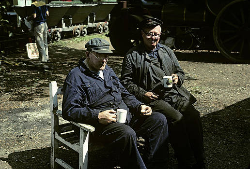 Tea break for the engine crew UK 1990s by David Davies