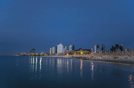 Tel Aviv the blue hour by Ron Shoshani