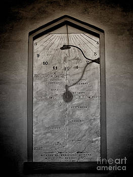 Tell the Time by Karen Lindale