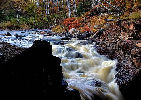 Matthew Winn - Temperance River Gorge in Autumn