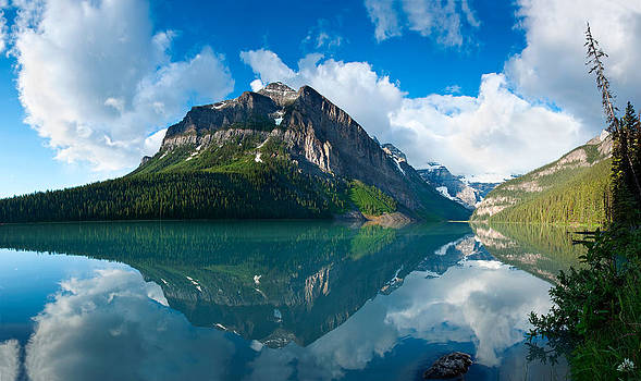 Temple Mountain by Darren Bradley