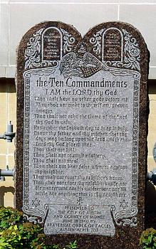 Ten Commandments by Lonnie Paulson