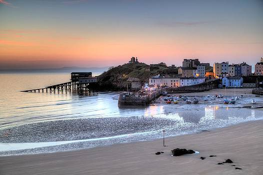 Tenby Harbour by Simon West