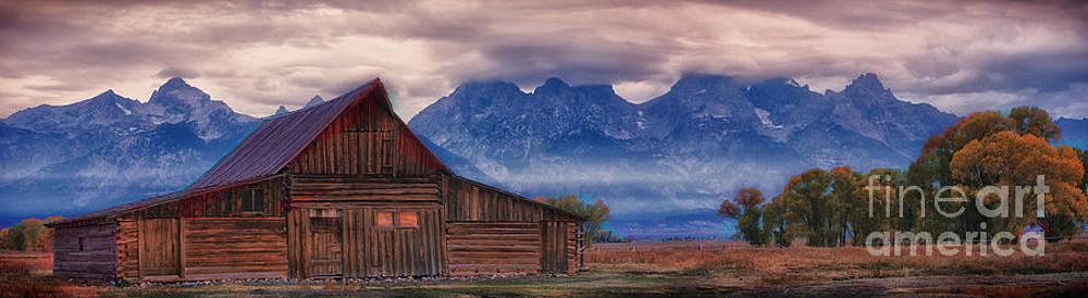Tetons Barn by Kenneth Eis