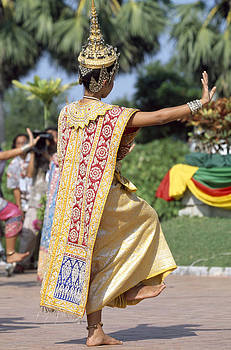 Thai dancer at Loy Krathong festival by Richard Berry