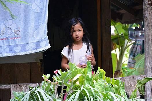 Thai girl by Bobby Mandal