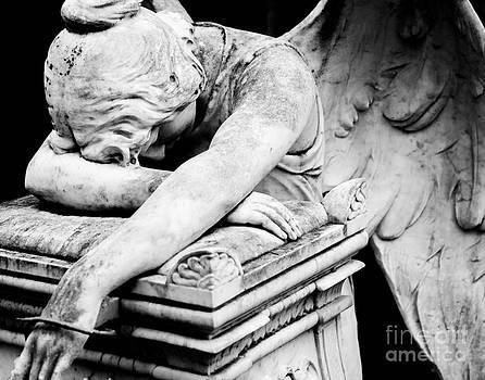 Sonja Quintero - The Angel Weeps