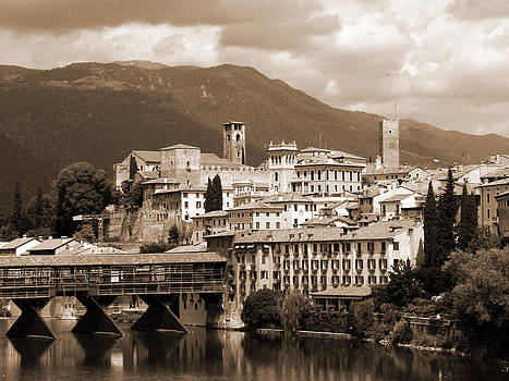 Donna Corless - The Architecture of Bassano del Grappa