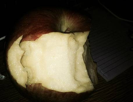 The best apple ever by Tara Miller