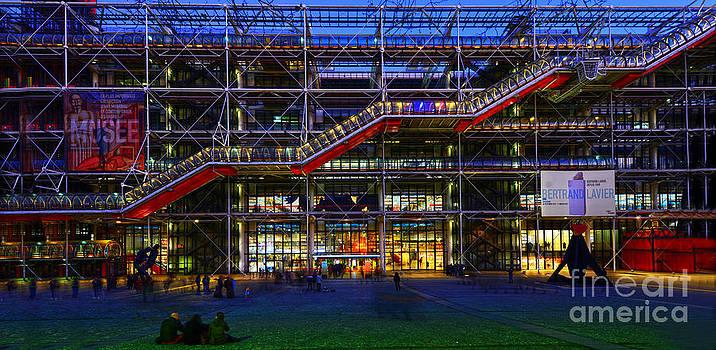 The Centre Pompidou-Paris by Lilianna Sokolowska