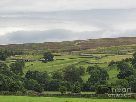 The Dales of yorkshire by Sylvia Howarth