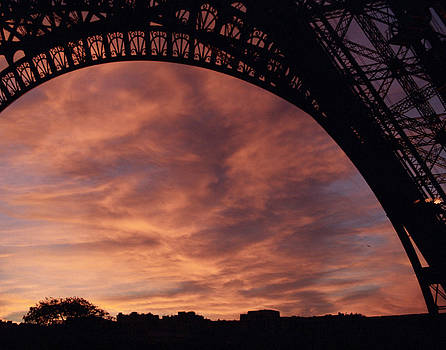 Jared Bendis - The Eiffel Tower at Sunset