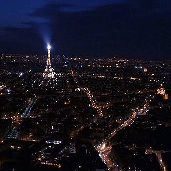 The Eiffel Tower's Light Show Right by Vivienne Gucwa